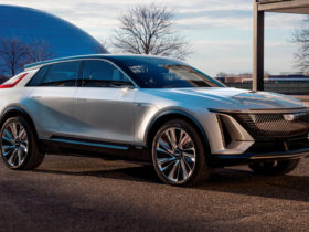 2023-cadillac-lyriq-first-look-review:-a-bold-first-step
