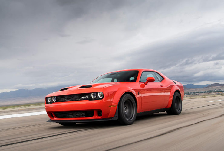 2020-dodge-challenger-srt-super-stock-first-look-review:-a-road-legal-dragster