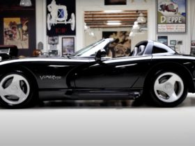 jay-leno-shows-off-a-very-original-dodge-viper