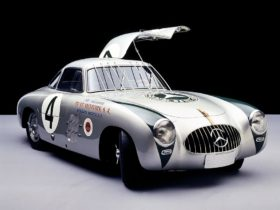 birthplace-of-the-mercedes-benz-sl-–-the-racetrack