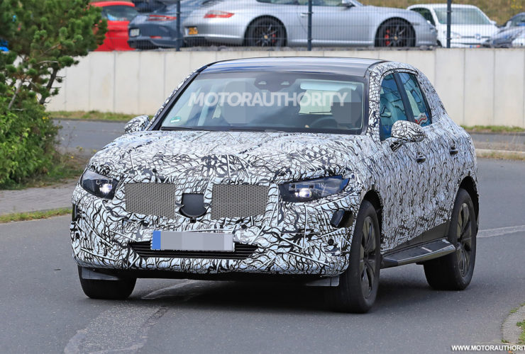 2023-mercedes-benz-glc-spy-shots:-popular-crossover-coming-in-for-redesign