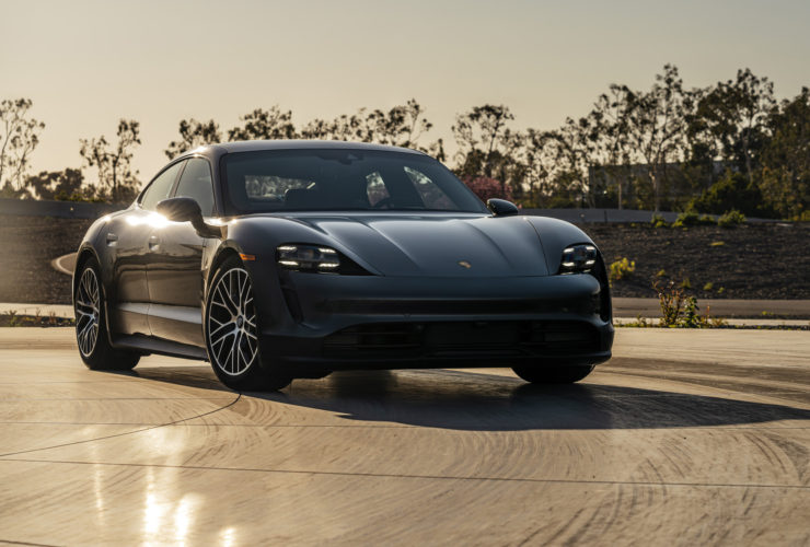 2021-porsche-taycan-gets-color-head-up-display,-on-demand-features
