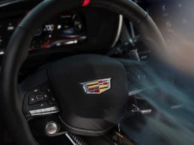2022-cadillac-ct5-v-blackwing-200-mph-top-speed-teased