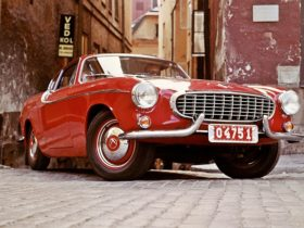 looking-back:-the-volvo-p1800-aka-'the-saint's-car'