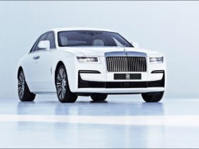 the-new-rolls-royce-ghost-makes-its-world-debut