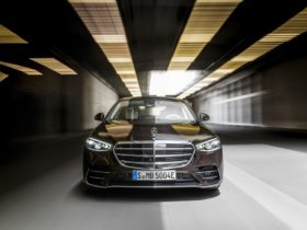 why-the-mercedes-benz-s-class-endures-and-shines