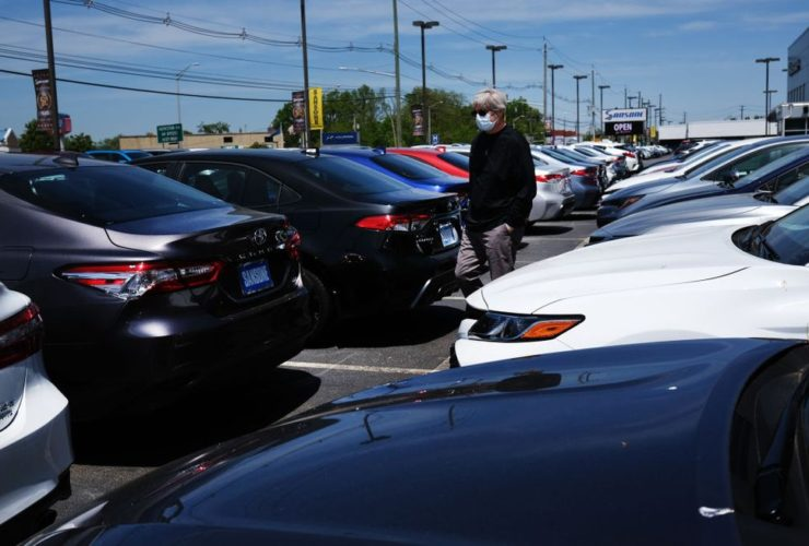 auto-sales-improved-in-august,-still-not-at-last-year's-levels
