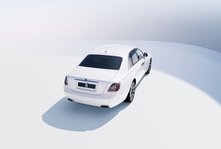 view-photos-of-the-2021-rolls-royce-ghost