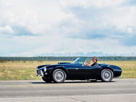 go-north:-the-1963-shelby-cobra-that-made-history
