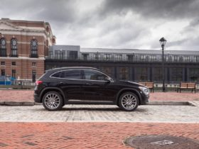 view-photos-of-the-2021-mercedes-benz-gla250-4matic