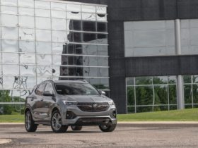 view-in-depth-photos-of-the-2020-buick-encore-gx