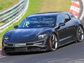 2021-porsche-taycan-cross-turismo-spy-shots:-electric-wagon-takes-shape