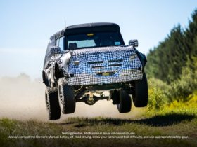 ford-teases-another-wild-animal-with-bronco,-raptor,-or-even-warthog,-on-the-way