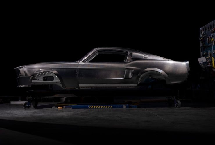 classic-recreations-gt500cr-is-a-carbon-fiber-bodied-$300k-eleanor