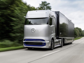 mercedes-benz-previews-fuel-cell-semi-with-genh2-truck-concept