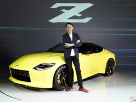 nissan-z-proto-debuts-with-nostalgic-styling,-a-6-mt