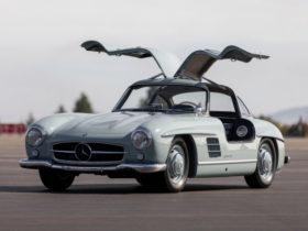 for-sale:-1957-mercedes-benz-300sl-gullwing