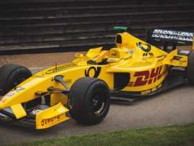 driveable-f1-car-raced-by-takuma-sato-up-for-auction