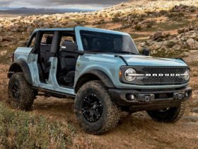 2021-ford-bronco-manual-variants-get-sasquatch-package