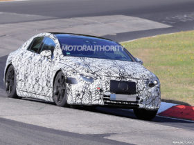 2022-mercedes-benz-eqs-spy-shots:-electric-sedan's-interior-spotted