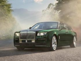 new-rolls-royce-ghost-gets-extended-with-a-champagne-fridge