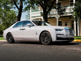 2021-rolls-royce-ghost-first-drive-review:-a-seductive-spirit