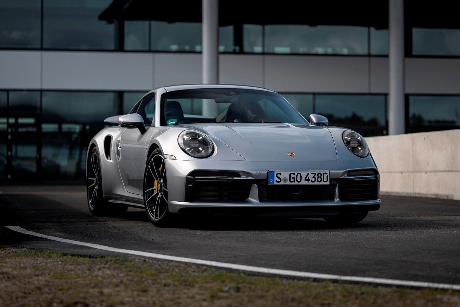 2021-porsche-911-turbo-s-first-drive-review:-daily-driver-with-monster-performance