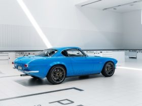 2020-volvo-p1800-cyan-wallpapers