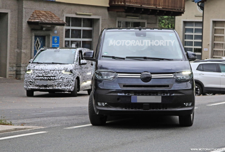 2021-volkswagen-transporter-(t7)-spy-shots:-popular-van-about-to-be-redesigned-but-still-not-coming-to-us