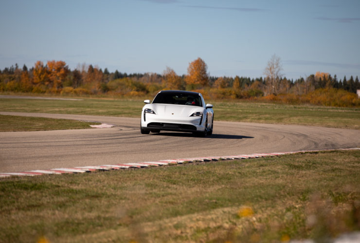 porsche-taycan-4s-–-track-session-gallery