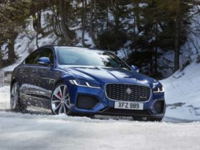 jaguar-xf-gets-updated-with-diesel-mild-hybrid-powertrain