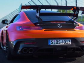 the-mercedes-amg-gt-black-series:-a-gt3-racer-with-number-plates-on?
