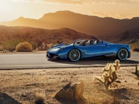 2017-pagani-huayra-roadster-wallpapers