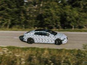 mercedes-benz-eqs-to-arrive-in-2021,-eqa-production-starts-this-year