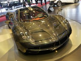 pagani-huayra-carbon-edition-wallpapers