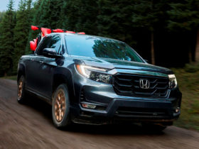 2021-honda-ridgeline-first-look-review:-macho-makeover