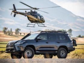 lexus-and-infiniti-demonstrate-off-road-capabilities-of-their-large-suvs-in-all-female-rally