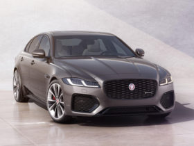 2021-jaguar-xf-first-look-review:-the-cat-strikes-back