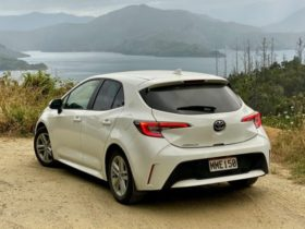 the-last-road-trip:-driving-a-toyota-corolla-through-new-zealand