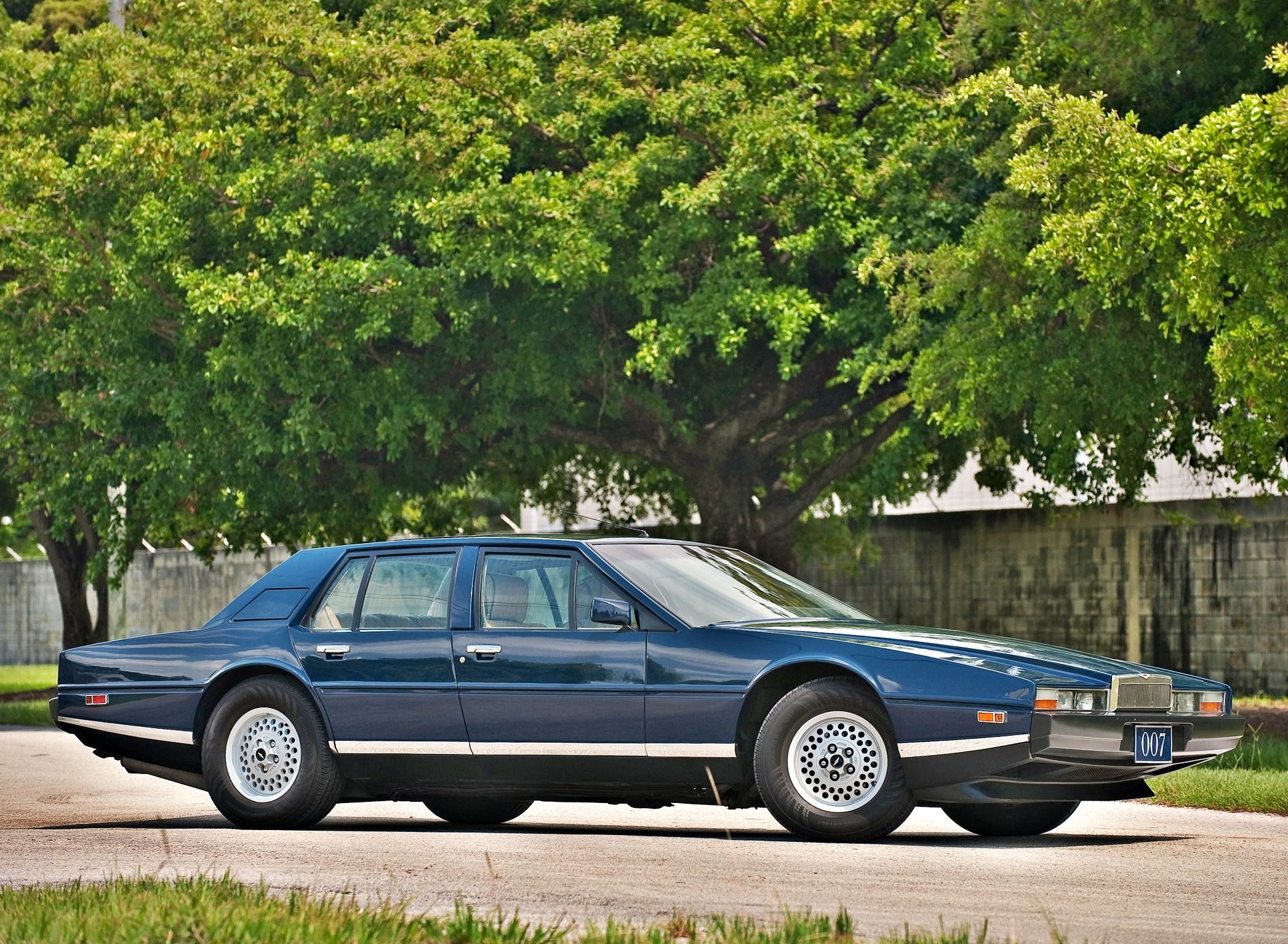 1976 Aston Martin Lagonda Wallpapers Viruscars