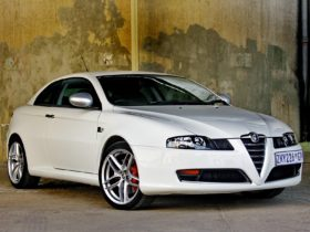 2010-alfa-romeo-gt-limited-edition-937-wallpapers