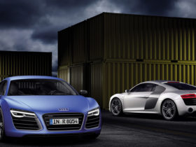2013-audi-r8-v10-plus-wallpapers