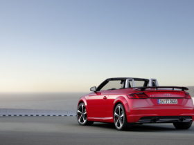 2017-audi-tt-s-line-competition-wallpapers