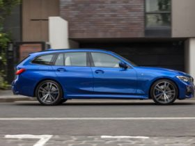 revisit:-2020-bmw-330i-touring-review