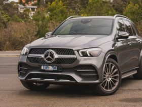 2019-mercedes-benz-gle300d-recalled-due-to-potentially-faulty-airbag