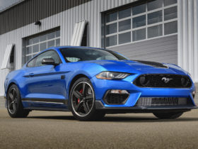ford-reportedly-working-on-6.8-liter-engine-for-mustang-and-f-150