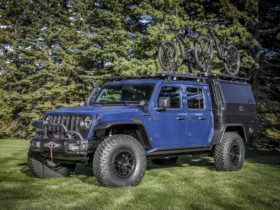 jeep-gladiator-top-dog-concept-is-a-vehicle-for-all-kinds-of-activities