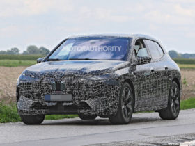 bmw-inext-electric-suv-reveal-set-for-nov.-11