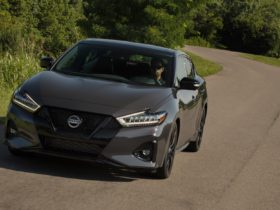 2021-nissan-maxima-celebrates-40th-anniversary-with-fewer-trims,-higher-price