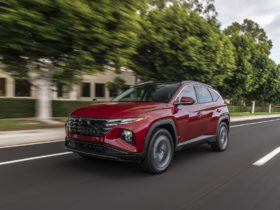 preview:-2022-hyundai-tucson-goes-long-on-screens-and-style,-adds-n-line-model